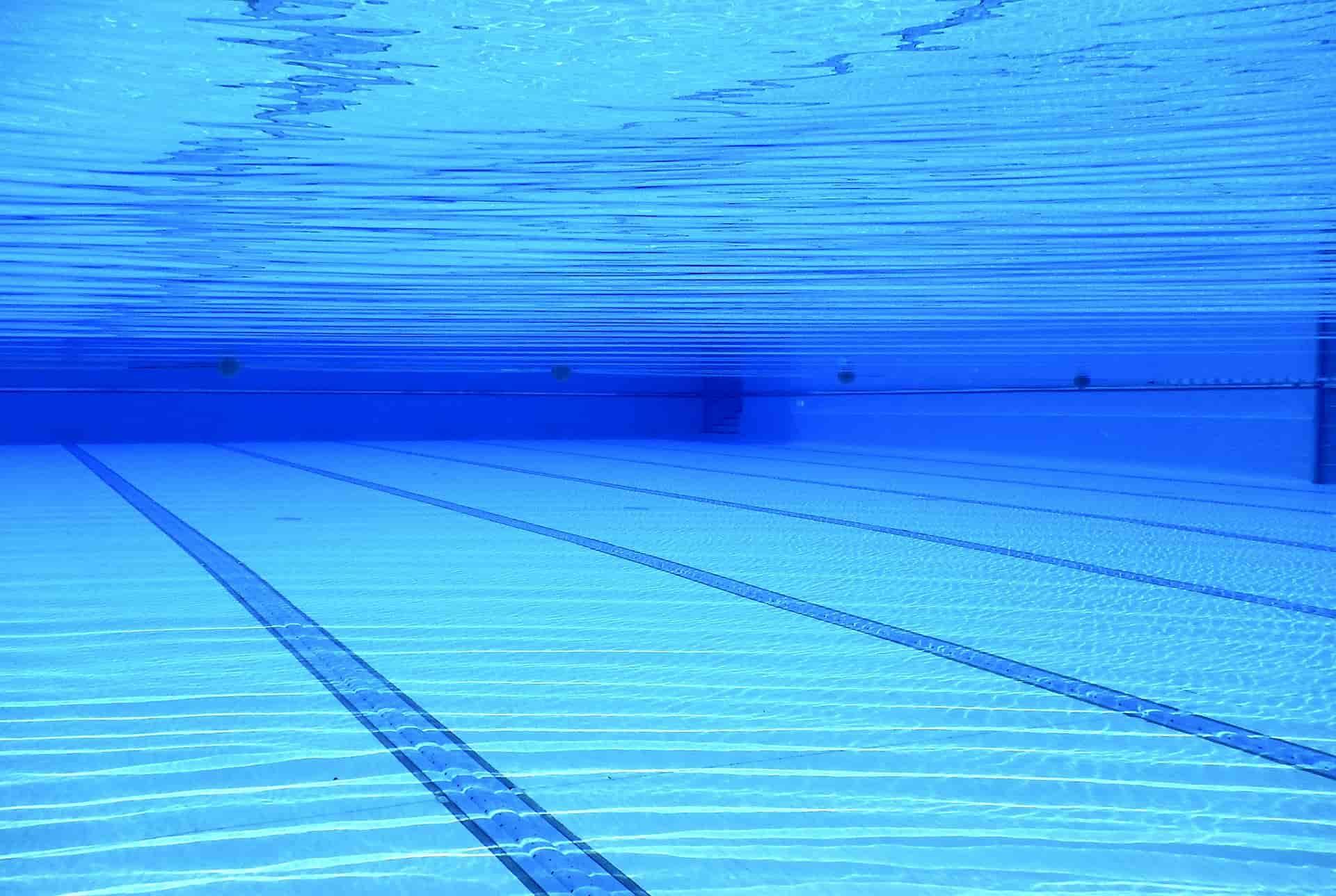 limpieza de piscinas en comunidades
